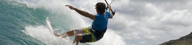 Vliegeren met een trainerkite of powerkite Kitesurfles Scheveningen - Kitesurfen cursus